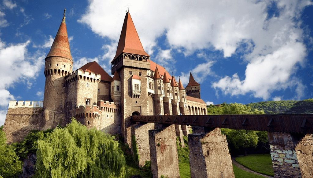 holidays-in-transylvania-romania-corvinesti